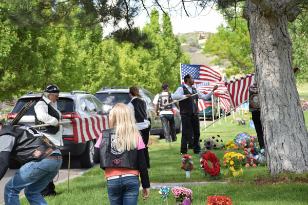 Thunder Run Cemetery Flag removal